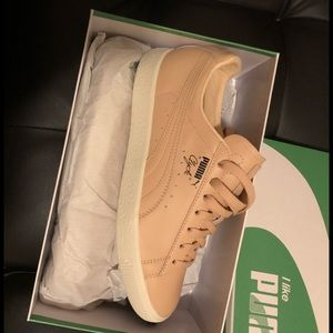 Brand new pumas FYI this is a men's 8
